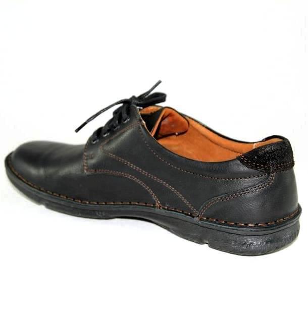 Мужские туфли отличаются от полуботинок